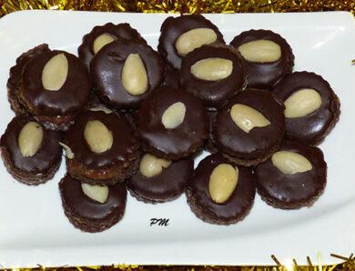 Dortíčky s ořechovo-marmeládovou náplní